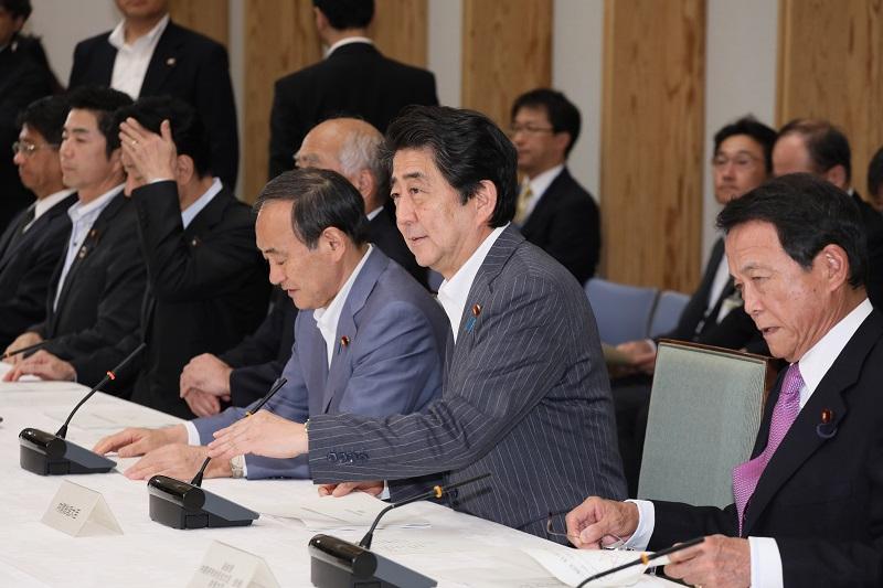 【悲報】安倍首相、急激にやつれる(画像あり) ->画像>53枚