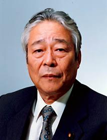 内閣官房長官・沖縄開発庁長官