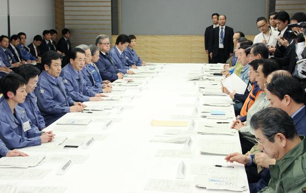 第8回東北地方太平洋沖地震緊急災害対策本部会議及び第6回原子力災害対策本部会議-平成23年3月13日